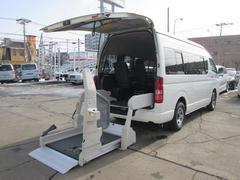 ハイエースコミューター福祉車両 ウェルキャブ タイプA 車イス移動車 4WD