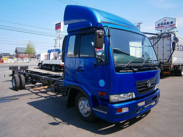 UDトラックス キャブ付シャーシ PB-MK37A ワイド