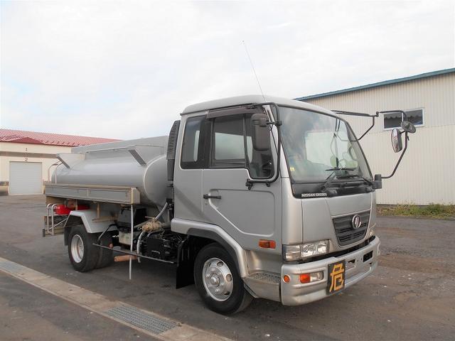 UDトラックス タンクローリー BDG-MK36C 新明和工業