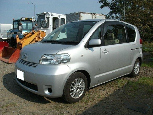 トヨタ 4WD・キーレス・ナビ・電動スライドドア