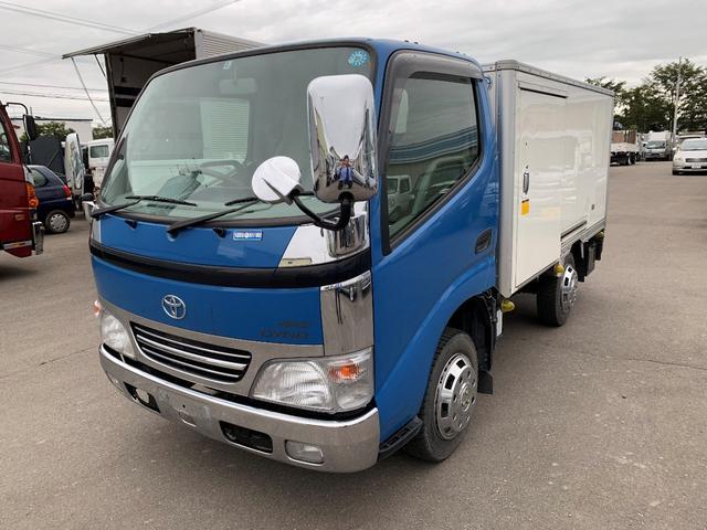 トヨタ 積載1000Kg 4WD 保冷バン