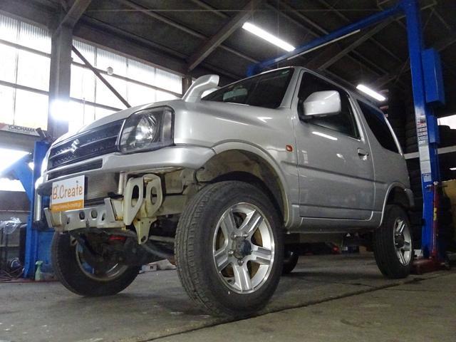 ジムニー XC 4WD 本州仕入 2.5インチ新品リフトアップキット 新品前後バンパー 背面タイヤレス 5速マニュアル 後期モデル キーレスキー ターボ