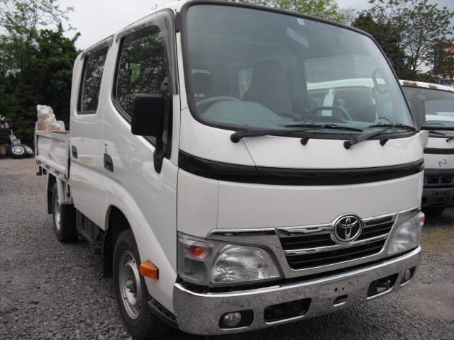 トヨタ  3.0D W/CAB 4WD リアヒーター メッキバンパーグリル