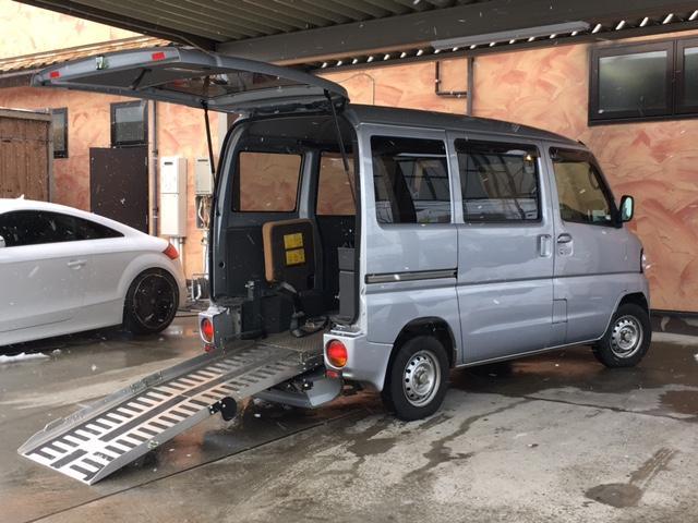 日産 クリッパーバン チェアキャブ 福祉車両 リアヒーター 4WD スロープタイプ 補助席付き 4人乗り 8ナンバー CD AUX レベライザー キーレス