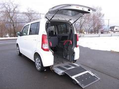 ワゴンRウィズ 車いす移動車 リヤシート 電動固定式 FF