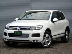 VW トゥアレグハイブリッド4WD 革シート HDDナビ リアビューカメラ