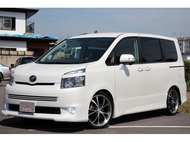 トヨタ ZS 4WDx新4灯HIDx社外19AWxローダウン