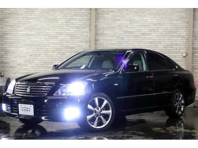 トヨタ クラウン ロイヤルサルーンi-Four4WDx本州仕入x新品4灯HID