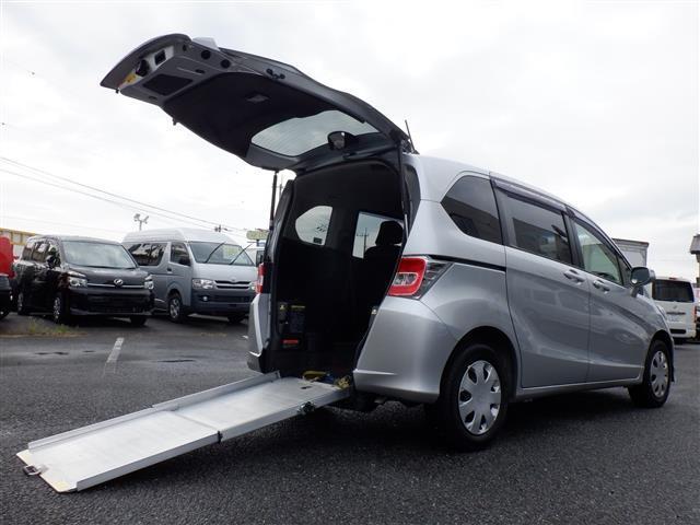 ホンダ フリード X 車いすスロープ仕様 2列 5人乗車定員