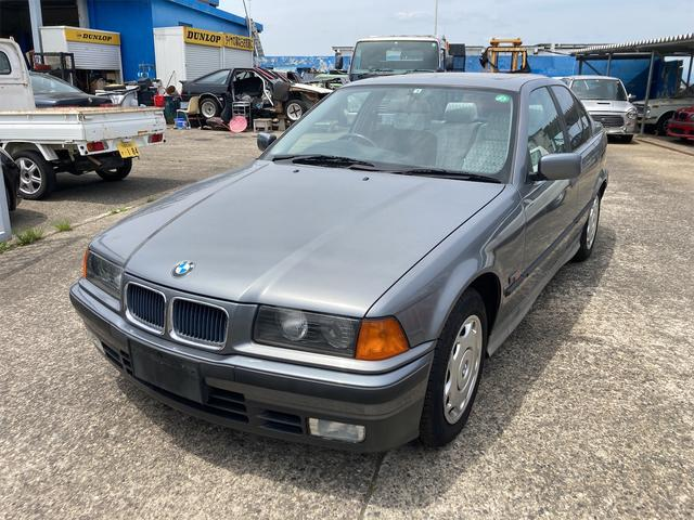 BMW 3シリーズ 318i サンルーフ AC AT パワーウィンドウ 走行12600Km