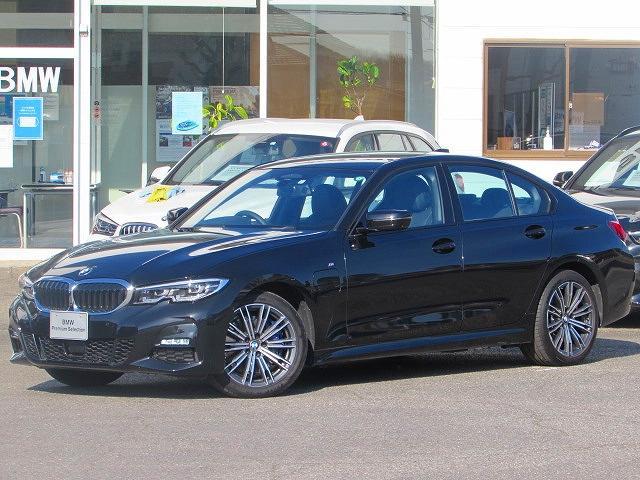 BMW 330e Mスポーツ 認定中古車 弊社デモカー ワンオーナー 禁煙車 純正HDDナビ バックカメラ ETC2.0 アンビエントライト LEDヘッドライト ハーフレザー シートヒーター 障害物センサー ACC