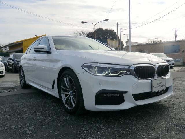 BMW 5シリーズ 523d xDrive Mスピリット 523d xDrive Mスピリット 4WD インテリジェントセーフティ 車線変更 車線逸脱警告 パーキングアシスト ヘッドUPディスプレイ