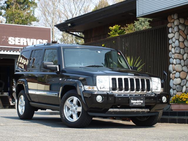 クライスラー・ジープ リミテッド4.7 4WD 3列シート