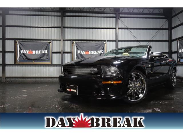 フォード マスタング V8 GTコンバーチブル プレミアム ディーラー車 社外20インチAW SDナビ 革シート 社外フロントバンパー