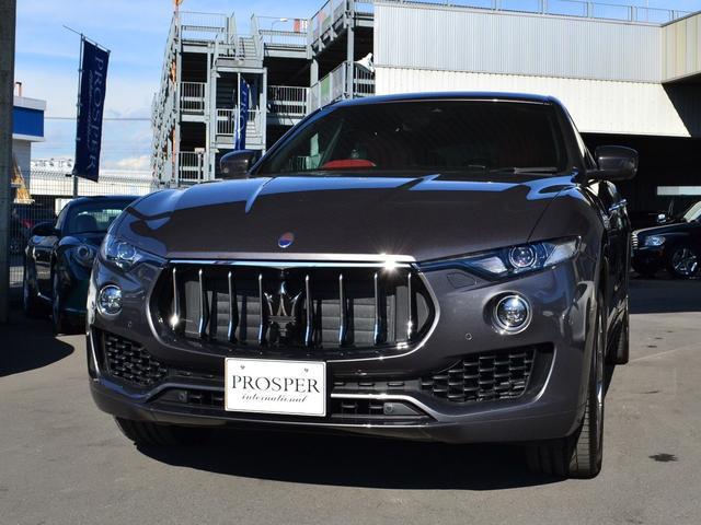 マセラティ ディーゼル 4WD 右ハンドル ディーラー車