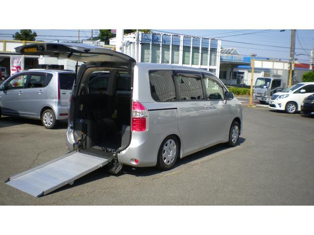 トヨタ 車椅子移動車 2脚積み 電動スロープ バックカメラ ナビ