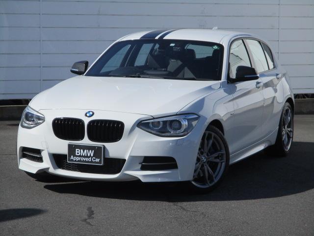 BMW M135i 純正ナビ ETC バックカメラ パドルシフトブラックレザーシート シートヒーター パワーシート キセノンヘッドライト 純正18インチAW コンフォートアクセス ブラックラインテール ブラックグリル
