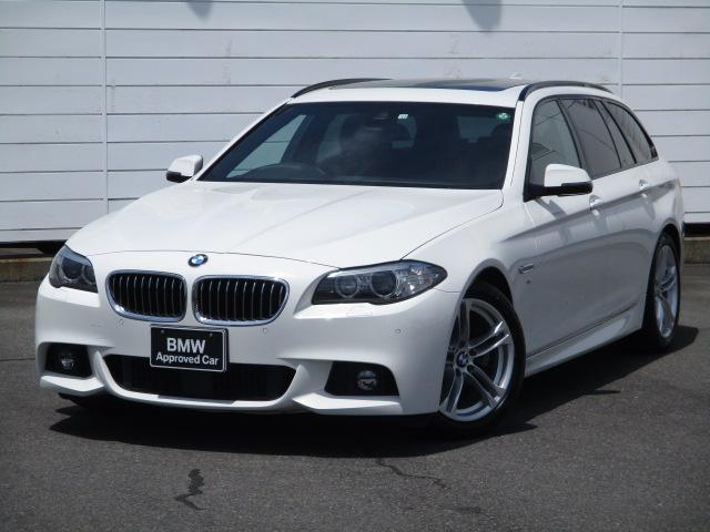 BMW 5シリーズ 523dツーリング Mスポーツ 純正ナビ 地デジ 電動パノラマサンルーフ 電動シート アクティブクルーズコントロール バックカメラ オートリアゲート ウッドパネル パドルシフト 禁煙車 インテリジェントセーフティ 純正18インチAW