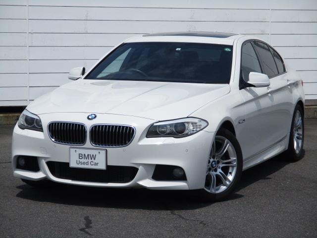 BMW 5シリーズ 523i Mスポーツパッケージ 純正ナビ ETC クルーズコントロール ブラックレザーシート シートヒーター 電動ガラスサンルーフ ウッドパネル 純正18インチアロイホイール キセノンヘッドライト