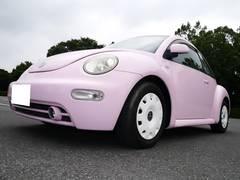 VW ニュービートルベースグレード 内装ピンク ホワイトホイールキャップ