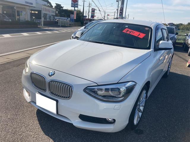BMW 1シリーズ 116i ファッショニスタ ETC クリアランスソナー バックカメラ ナビ アルミホイール オートライト HID AT CD 革シート スマートキー アイドリングストップ シートヒーター 盗難防止システム ABS ESC