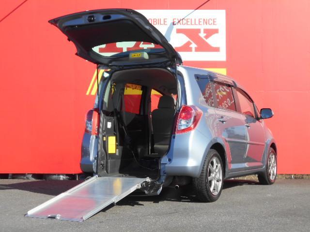 トヨタ ラクティス G スローパー車椅子
