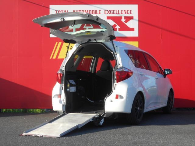 トヨタ ラクティス 車椅子仕様車スロープタイプ1助手席側リヤシートなし