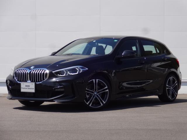 BMW 118i Mスポーツ 1.5Lターボエンジン 7速DCT 走行少ない2,000Km 純正ナビ Bカメラ 前後PDC 純正18インチ リバースアシスト パーキングアシスト コンフォートパッケージ ACC LEDヘッドライト
