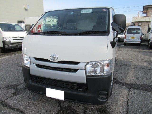 トヨタ 4WD低温冷凍車 低床