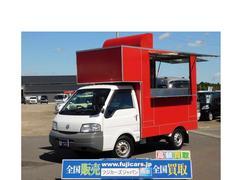 バネットトラックキッチンカー 移動販売車 2槽シンク 換気扇 販売用窓2口