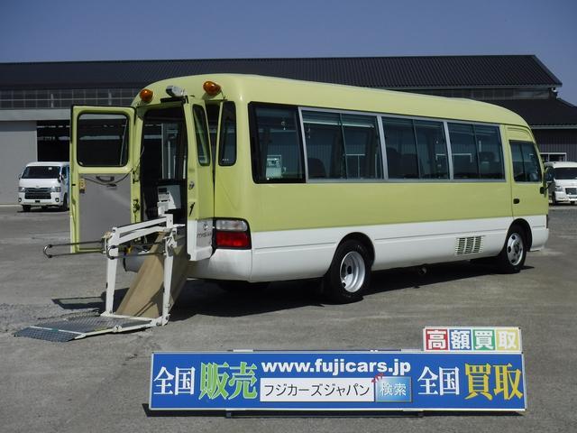 トヨタ ロングLXターボ12人乗り車椅子移動車 車椅子固定装置6基