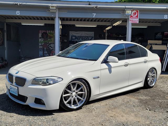 BMW 5シリーズ 523i Mスポーツパッケージ タンレザーシート シートヒーター ラッシュフルタップ車高調 WORKグノーシス19インチAW タイヤファルケン リアスポイラー スマートキー 純正HDDナビ フルセグTV ミュージックコレクション