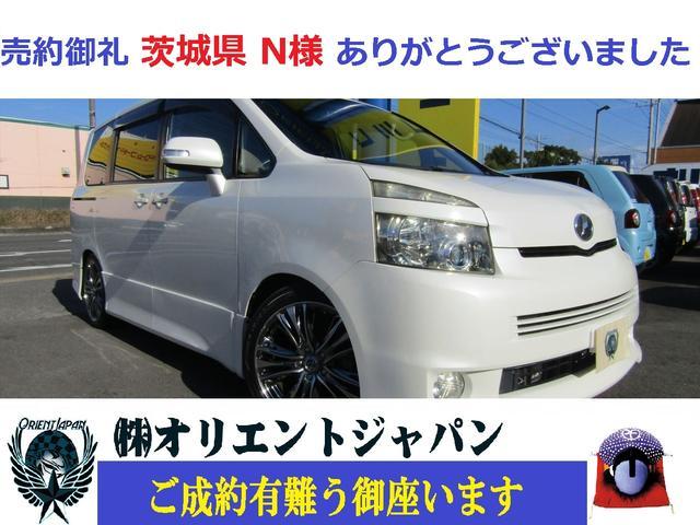 トヨタ ZS 社外ナビ・ワンセグ・DVD・CD・Bカメラ・クルコン・MTモード・片側電動スライドドア・社外アルミ・スタッドレスタイヤ・エアサス付き・LED球
