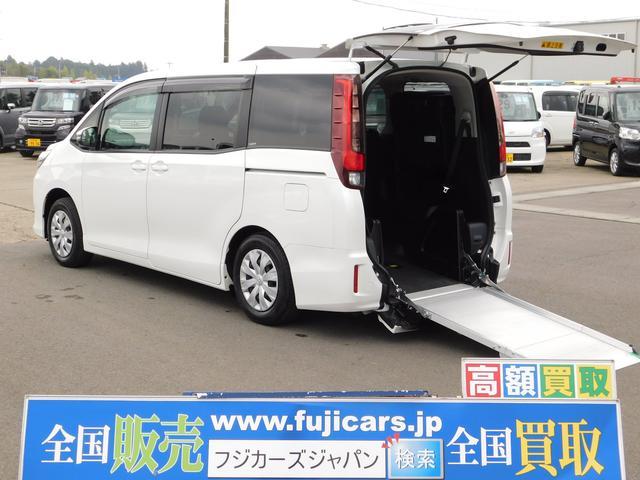 トヨタ 福祉車両ウェルキャブ X 4WD 電動スロープ 車椅子1基