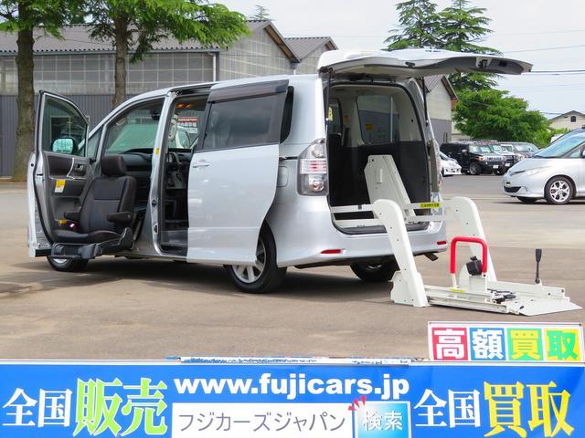 トヨタ 福祉車両ウェルキャブZS 助手席リフトアップ 電動リアリフト