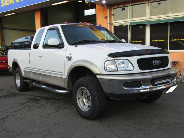 フォード XLT TRITON V8