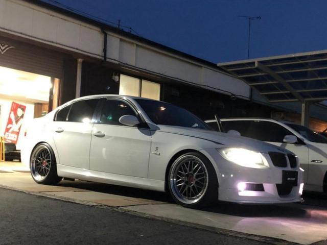 BMW 325iMスポーツ直6左H BBS19 前後ブレンボ 車高調 希少左H 直6 BBS鍛造LM19 CLIMAX車高調 アーキュレーエキゾースト 前後ブレンボ・ビッグローター フロントスポイラー&フリッパー 純正HDDナビ サンルーフ GPSレーダー探知機