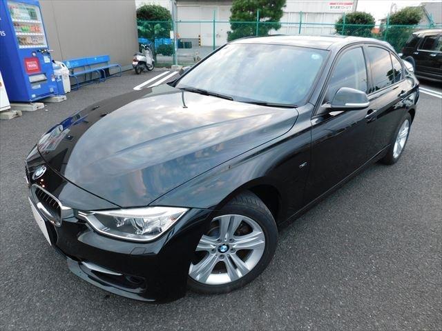 BMW 320dブルーパフォーマンス スポーツ 黒革シート純正ナビ