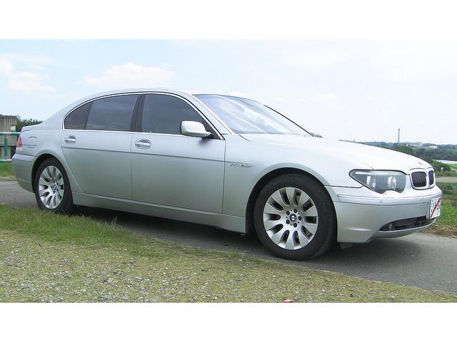BMW 760LiシアターPKG フルオプション