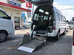キャラバンバス車いす移動車 福祉車両 AC AT Bカメラ 10人乗り