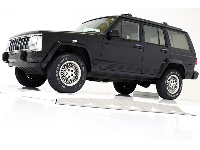 クライスラー・ジープ リミテッド 4WD 内装ベージュ 三角窓付 背面レス車 CD