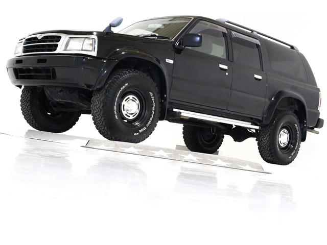 マツダ ベースグレード 4WD リフトUP 16インチAW 7人乗り