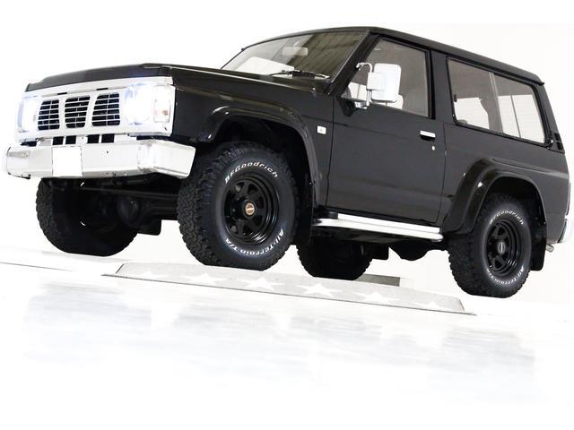 日産 グランロード 4WD ウッドステアリング 黒背面タイヤカバー