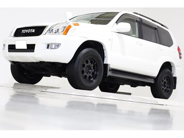 トヨタ ランドクルーザープラド TXリミテッド 4WD ワンオーナー ヴィンテージグリル マットブラック17インチアルミホイール LEDイカリングヘッドライト LEDテールランプ ドライブレコーダー付 キーレス CD MD ETC 3列シート 8人