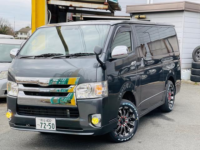 トヨタ  4WD スマートキー 17インチAW Wエアコン オートマチックハイビーム 100V電源 自動駐車システム 禁煙車