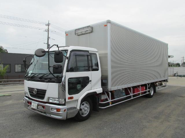 UDトラックス 4t 7200ワイドドライバン