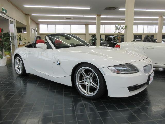 BMW Z4 ロードスター2.5i D車右ハンドル 赤レザーシート 社外18インチアルミ 2500 車検3年8月電動オープン良好 幌破れなし リアガラス綺麗業者オークション4点評価 事故歴なしドライブレコーダー