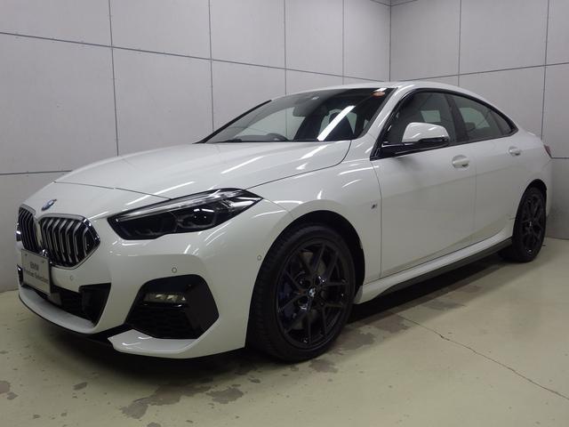 BMW 218dグランクーペ Mスポーツエディションジョイ+ Mスポーツプラスパッケージ スポーツシート Mブレーキ トランクスポイラー 18インチアロイホイール ナビパッケージ リアビューカメラ ETC