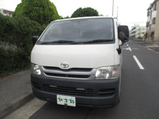 ハイエースバン ロングDX3.0デイーゼルターボ 3人乗り(トヨタ)