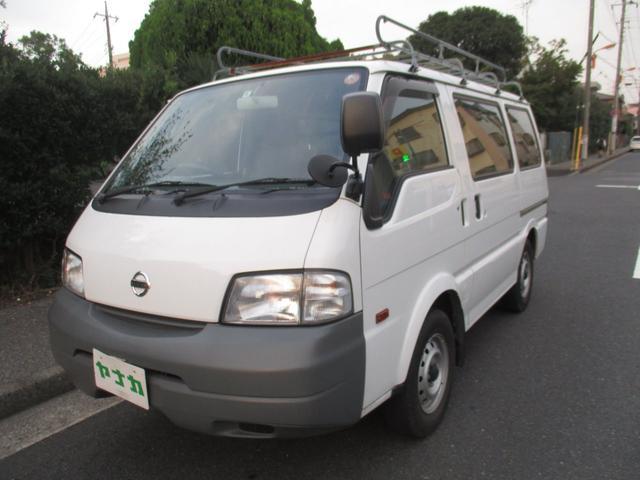 日産 DX 4ドア 4WD 5マニュアル ナビテレビ